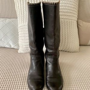 Dr Scholls brown leather tall boots in size 6.5